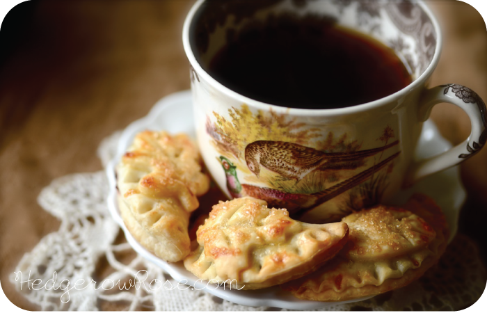 Post image for Mini Autumn Pies with Fruit Preserves Recipe