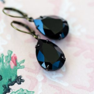 Estate Earrings Noir 1