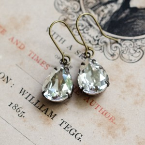 Petite Estate Earrings Grey Diamond
