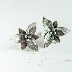Vintage Sterling Silver Trillium Earrings 1